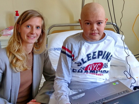 The 11-year-old Roland wanted a laptop from Magic Lamp. He has to spend a  lot of time in the hospital a00722f721